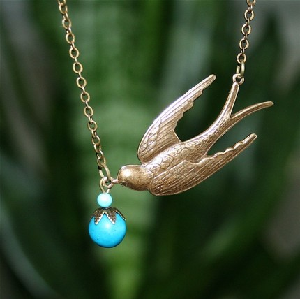 Vintage Style Bird Turqoise Stone Necklace - $16